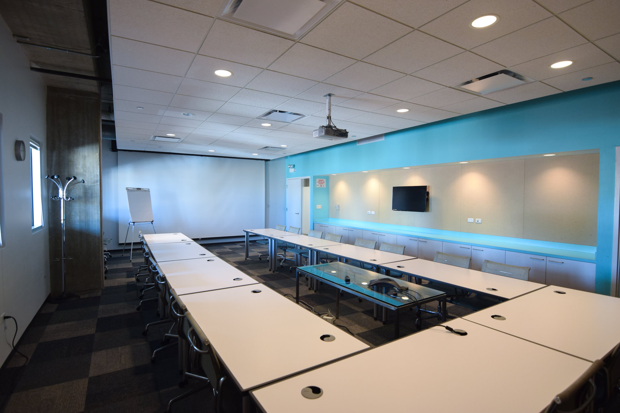 Center On Halsted Chicagos Lesbian Gay Bisexual And Transgender - Conference table hdmi port